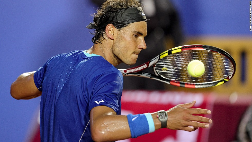 Rafael Nadal had little trouble in dispatching Croatia's Ivan Dodig at the Barcelona Open.