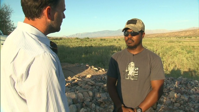 "Bodyguard defends Cliven Bundy after ""slaves"" comment"