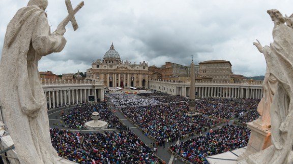 A large crowd gathers in St. Peter
