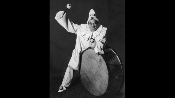 """Circa 1915, Italian tenor Enrico Caruso poses for a portrait as Canio from Leoncavallo's opera """"Pagliacci."""" The plot to the famed opera has been boiled down by the San Diego Opera as """"Crazed clown murders wife in front of live audience."""" The central role has been played by such notables as Enrico Caruso and Luciano Pavarotti."""