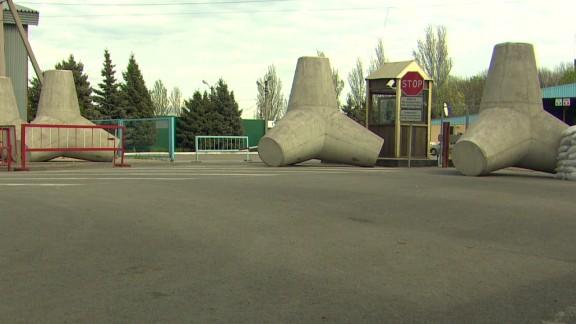 dnt damon ukraine border tensions_00005127.jpg