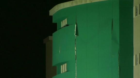 Newday Lavandera jail building collapses on inmates _00021718.jpg