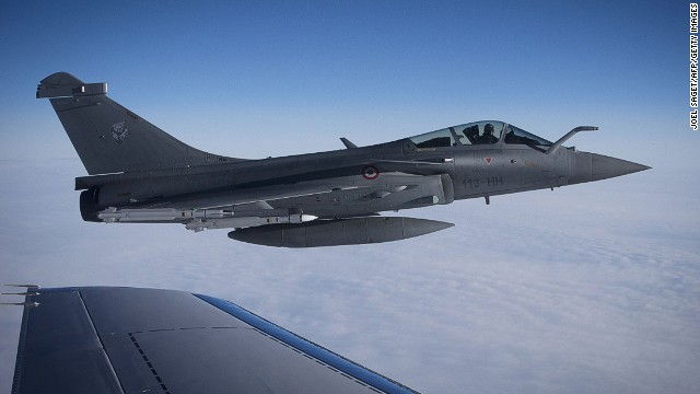 A photo taken on April 29 , 2014 shows a French Rafale jet fighter flying over France. Britain and France deployed eight fighter jets on April 28, 2014 to reinforce NATO air patrols over the Baltics as tensions rise with Russia over Ukraine.