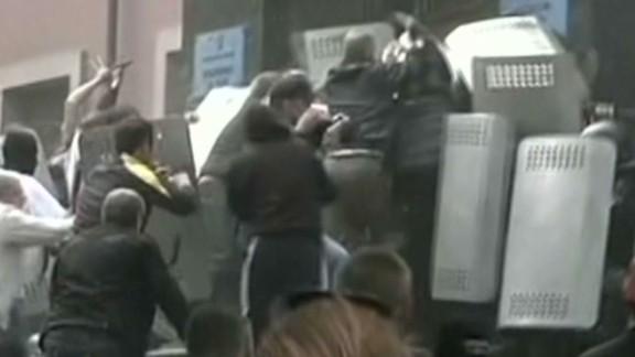 tsr scuitto pro-russians gain ground against ukrainian police_00000826.jpg