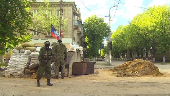 dnt paton walsh ukraine checkpoints_00005128.jpg
