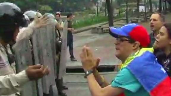 nr pkg romo protester crackdown in venezuela_00000418.jpg