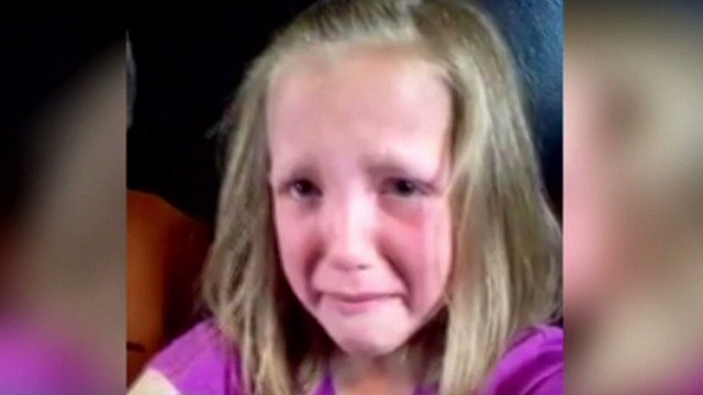 Mom Goes Viral To Help Crying Daughter - Cnn Video-2594