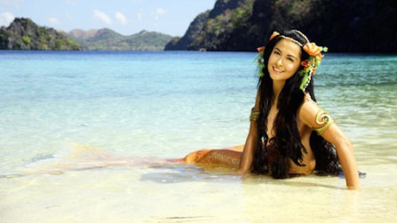 """Born with fins instead of legs, the child is named Dyesebel. When the community is hit with a series of catastrophes, the town blames Dyesebel. This compels her parents to offer their only daughter to the sea in the Philippines show """"Dyesebel."""""""