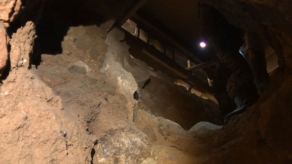 syria homs tunnels paul conroy intv_00014401.jpg