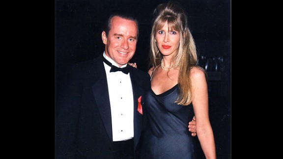 """The marriage of """"Saturday Night Live"""" star Phil Hartman and wife Brynn ended tragically in 1998 after she shot him to death in their bed and then took her own life."""
