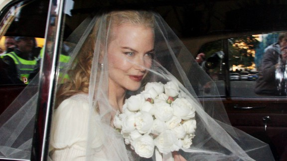 Just because it was Nicole Kidman's second wedding didn't mean the Oscar winner spared any expense when she wed country singer Keith Urban in 2006. The couple reportedly spent $250,000 on the event, including her $20,000 Balenciaga gown.