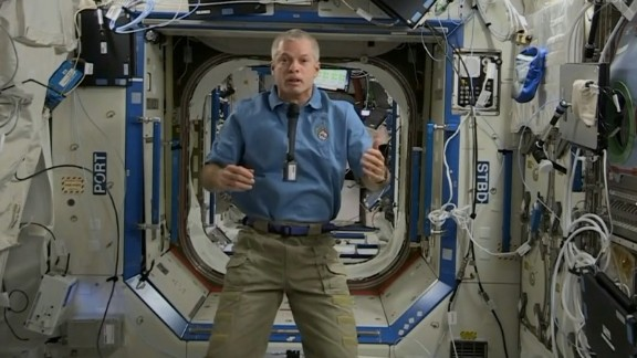 NASA astronaut Steve Swanson took CNN's readers' questions from space