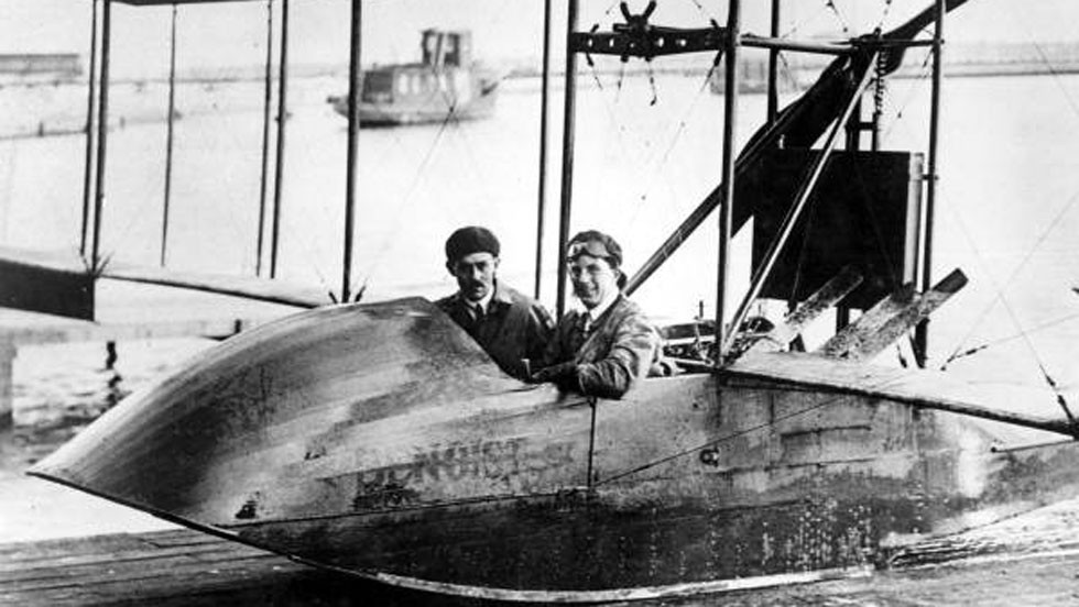 1914: On the morning of January 1, the first scheduled commercial airline flight took to the air. Taking off from St Petersburg, Florida, and flying to Tampa, the Benoist flying boat was piloted by Tony Jannus, with the former mayor of St Petersburg, Abram C Pheil, as the sole passenger.
