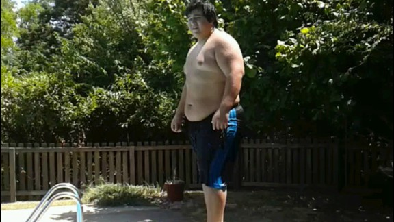 """Looking at this photo from summer 2012, Edgar Hernandez thinks, """"How could I have let myself get that big? How could I have let myself go to the point I stopped caring about my body?"""""""