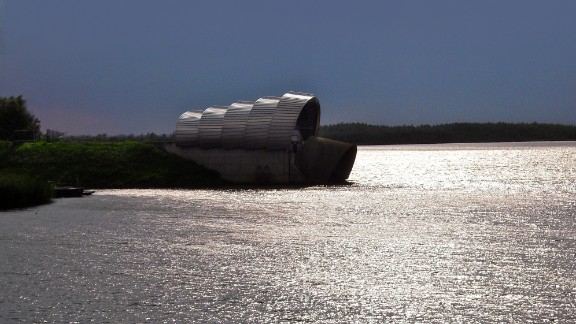 The Infocentrum De Balgstuw is a floodgate in the Netherlands. These floodgates work as a barrier and are used in several parts of the country.