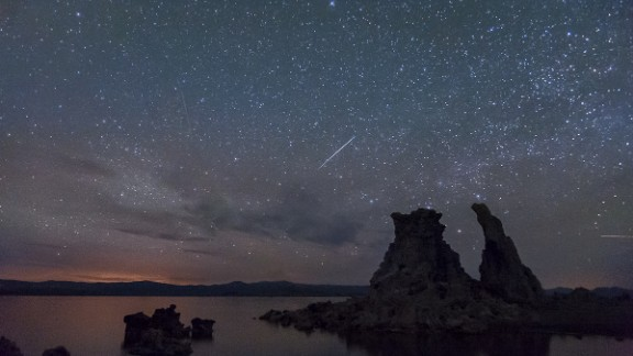Many are grumbling that the Camelopardalids meteor shower was a dud, but some photographers had a chance to see burning fireballs streaking the night sky. iReporter Cat Connor says there were dozens of photographers camped out on Mono Lake in California, hoping to see the meteor shower.