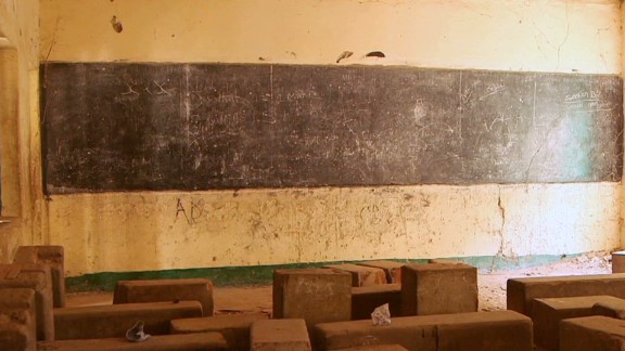 cnni.damon.nigeria.schools.sit.empty.fearing.boko.haram_00000601.jpg