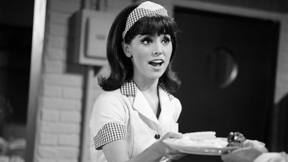 """Marlo Thomas plays Ann Marie in an episode of the '60s sitcom """"That Girl,"""" portraying a single woman who moves to New York to make it big as an actress."""