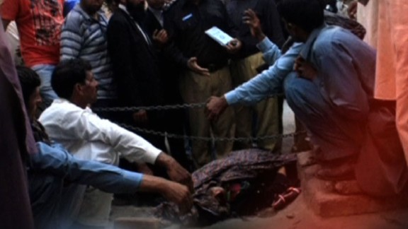 pkg mann pakistan woman stoned update_00002428.jpg