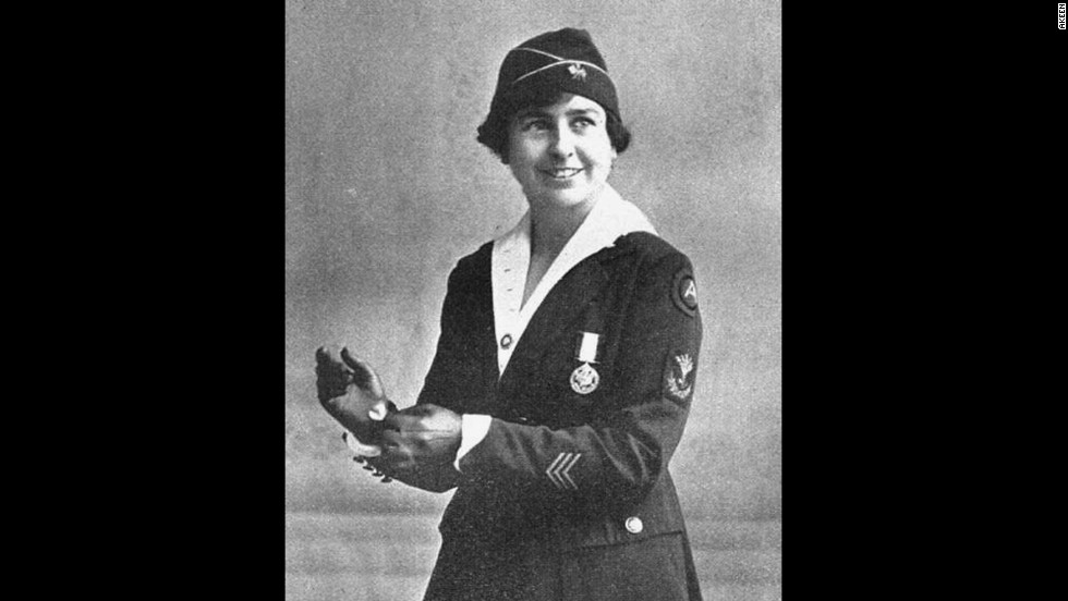 Grace Banker receives a Distinguished Medal of Service for her role as chief operator in the U.S. Army Signal Corps. She worked at a post close to the front lines in France.
