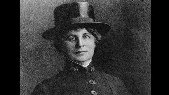 Lenah Higbee, a Canadian-born U.S. Navy chief nurse, served as superintendent of the U.S. Navy Nurse Corps during World War I. She was the first female recipient of the Navy Cross.