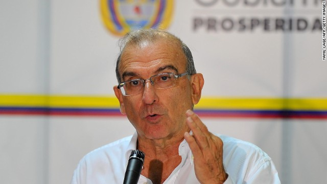Humberto de la Calle, head of the Colombian delegation to the peace talks with the FARC-EP guerrillas gives a speech during a press conference at the Convention Palace in Havana, on June 3, 2014. AFP PHOTO/YAMIL LAGE (Photo credit should read YAMIL LAGE/AFP/Getty Images)