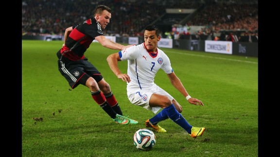 Alexis Sanchez (Chile): If La Roja wants to escape from a group boasting both 2010 World Cup finalists, it