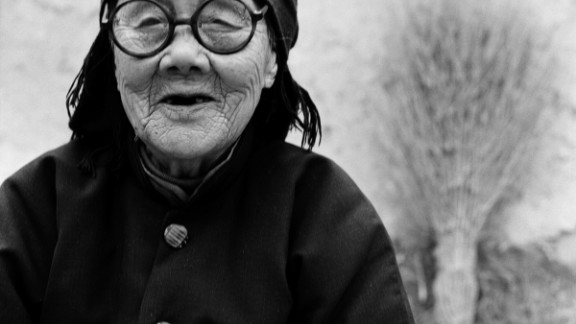 """Portrait of Yang Jinge. The 91-year-old woman told Farrell: """"Bound feet was a disrespect for the body, sometimes it was too painful and I couldn"""