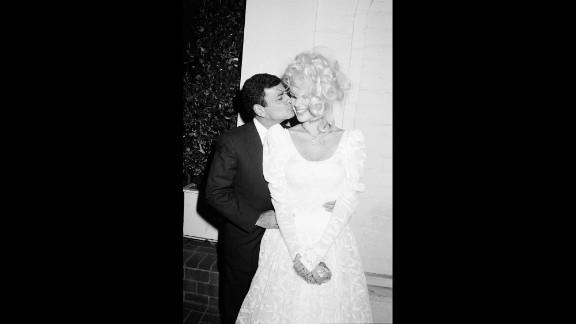 Kasem married Jean Thompson in 1980.