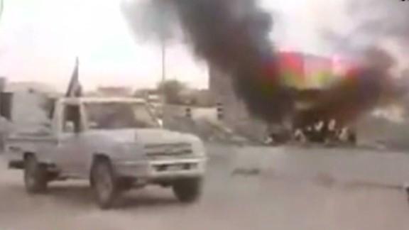 nr vo roberston militants take control mosul iraq_00004815.jpg