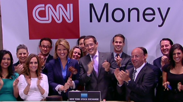 Nr Cnn Money Team Rings Closing Bell 00013808 Jpg