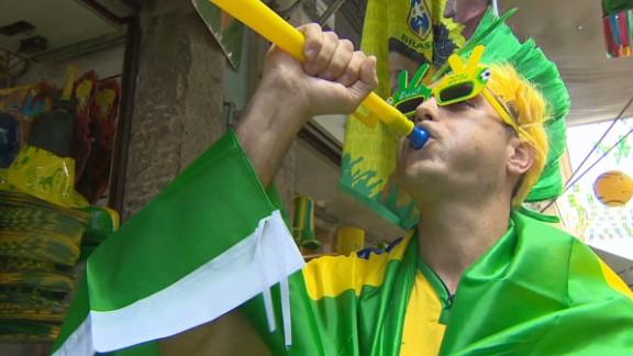 pkg pleitgen brazil world cup gear_00033309.jpg