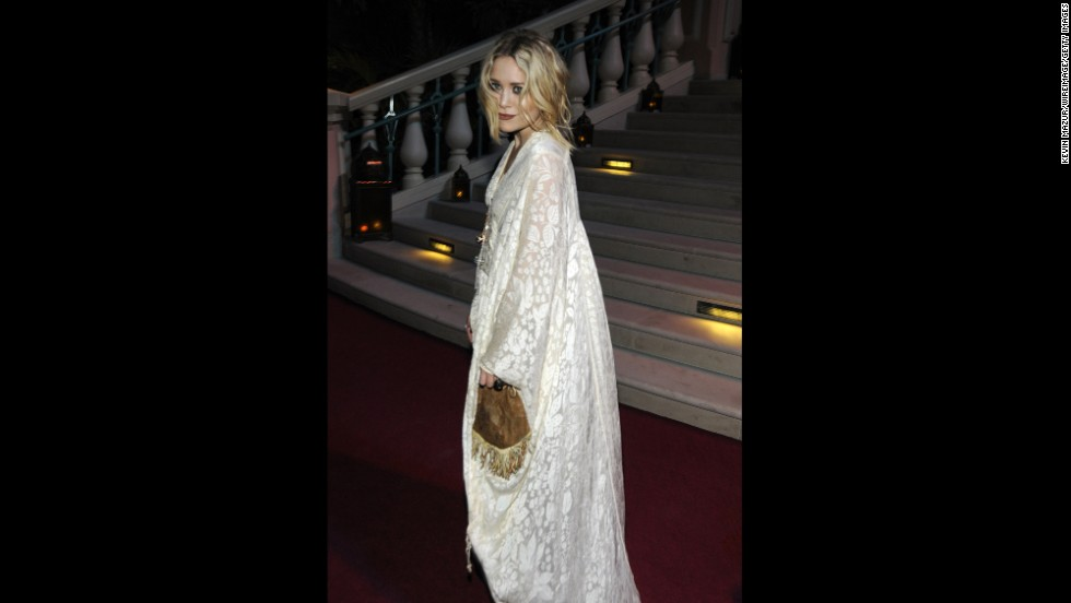 Mary-Kate Olsen wears a tunic with a plunging neckline, a modern embellishment on the traditional caftan, in 2008.