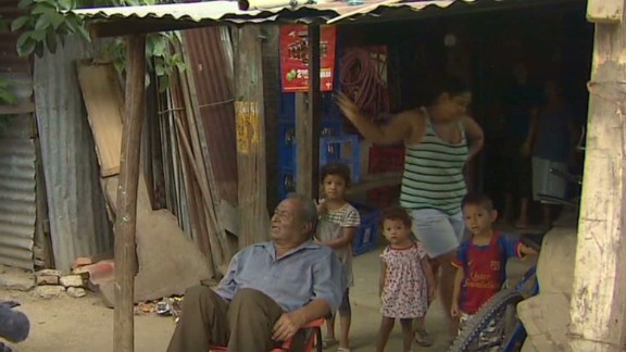 nr pkg flores immigration honduras slums_00003622.jpg