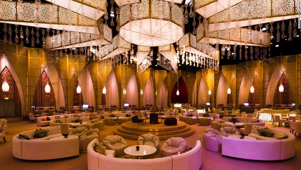 & Supersized Ramadan: Feasts follow fasts in Glitzy tents | CNN Travel