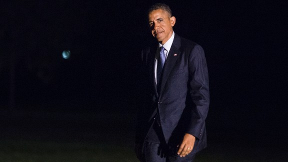 U.S. President Barack Obama exits Marine One on the South Lawn and walks toward the White House on June 17, 2014 in Washington, DC. Obama traveled to Pittsburgh to deliver remarks on the economy and then to New York City for DNC fundraising events on Tuesday.
