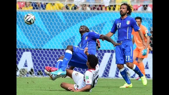 Balotelli is fouled by Tejeda.