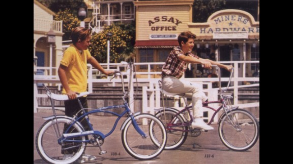 The Schwinn Sting-Ray, a motorcycle-inspired bicycle, debuted in 1963 and first appeared in Schwinn