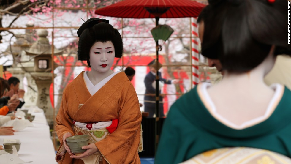 Geishas in kyoto 7 things to know before going to gion cnn travel solutioingenieria Choice Image
