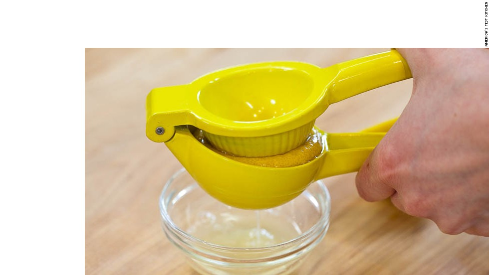 Squeeze 1 lemon to obtain 2 tablespoons juice.