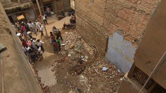 pkg udas india building collapse_00001306.jpg