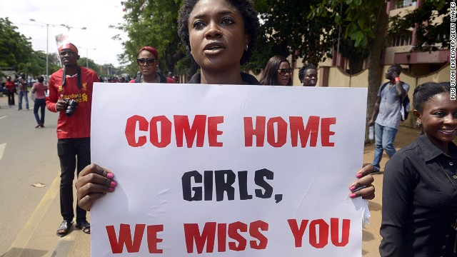 Nigeria: parents keep pressure on government