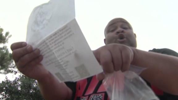 pkg KKK flier in yard_00002623.jpg