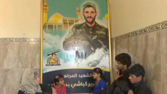 pkg damon iraq volunteer martyr_00020523.jpg