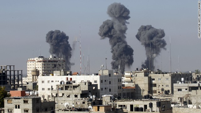 Smoke billows after Israeli air strikes near smuggling tunnels between the southern Gaza Strip and Egypt, on July 9 2014.