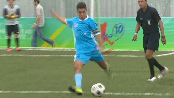 pkg pleitgen wc brazil youth football development_00010802.jpg