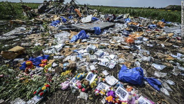 MH17 crash investigators say four suspects face murder charges