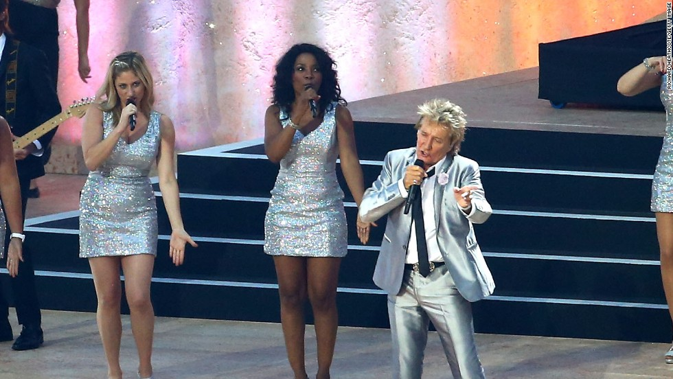 Rock singer Rod Stewart, who was born in Scotland, performed at the ceremony.
