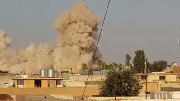 iraq isis jonah tomb blown up_00003108.jpg