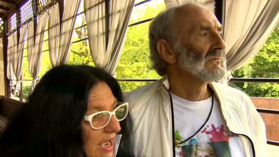 erin pkg lah parents of mh17 victim journey to crash site_00014625.jpg